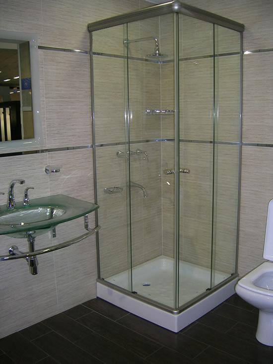 Be cool ideas para disfrutar hidromasajes minipiscinas saunas duchas escocesas y finlandesas - Cabina de ducha ...